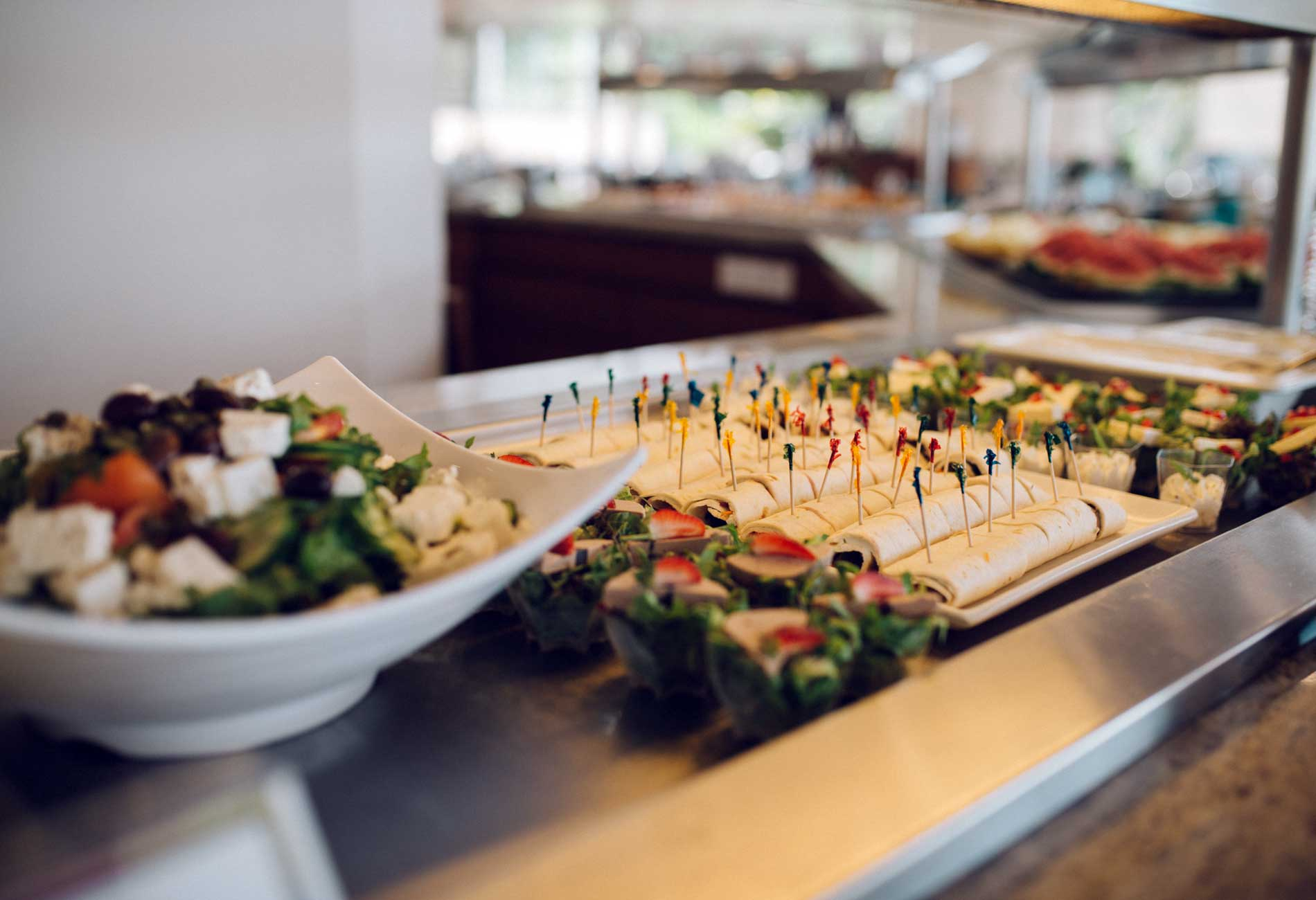 Octagon Restaurant - Mediterranean breakfast & lunch buffet